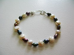 2 colour pearl bracelet knotted with black silk